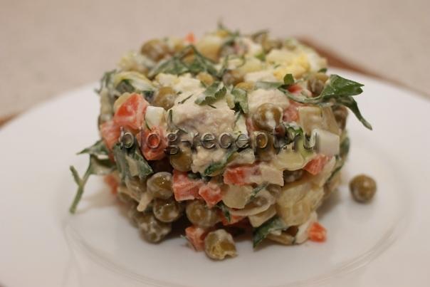 салат столичный с курицей и свежим огурцом рецепт с фото