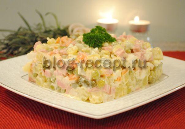 Салат оливье с соленым огурцом