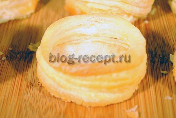 Волованы из слоеного теста с лососем - рецепт пошаговый с фото