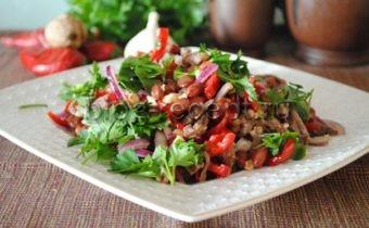 Салат Тбилиси с говядиной и красной фасолью