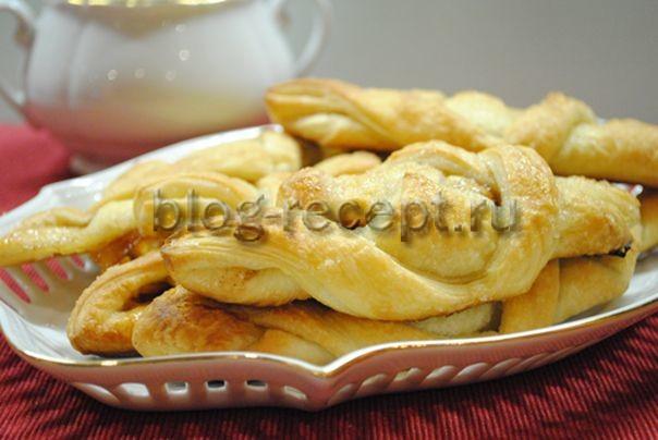 Слойки с яблоками из слоеного теста - рецепт пошаговый с фото