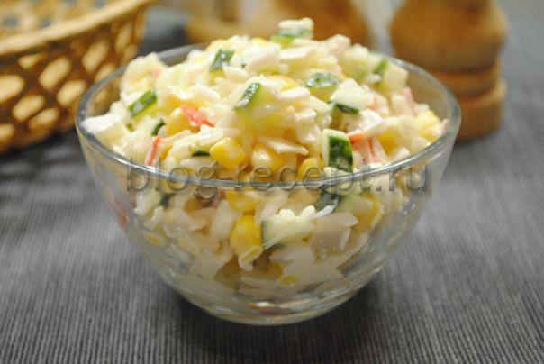 салат с палочками крабовыми и рисом