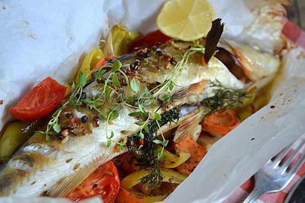 запеченная рыба с овощами в духовке