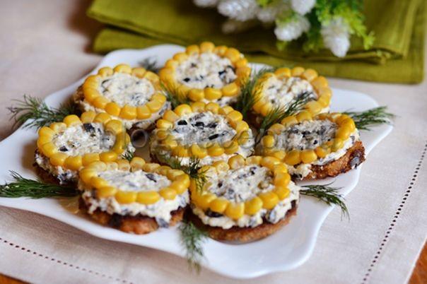 Салат подсолнух с огурцами рецепт классический
