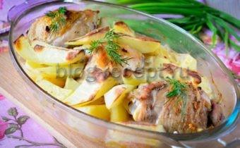 картошка тушеная в духовке с курицей