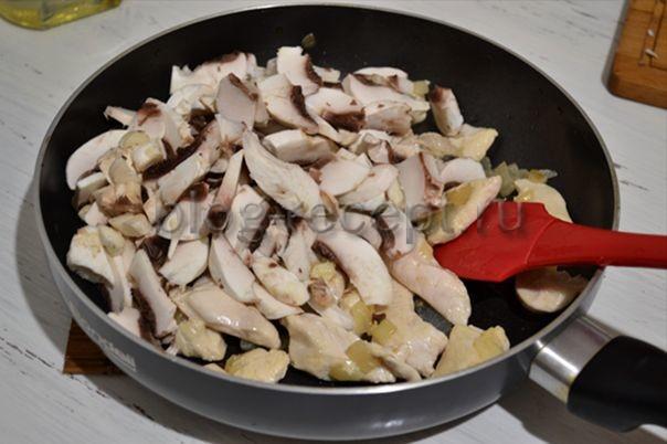 Жульен на сковороде – ресторанное блюдо на домашней кухне