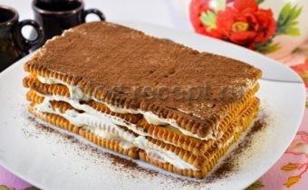 торт без выпечки из печенья и сметаны и бананов