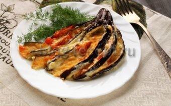 запеченные баклажаны в духовке с сыром и помидорами веером