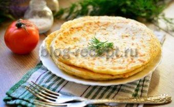 сырные лепешки за 15 минут получаются очень сочные и хрустящие