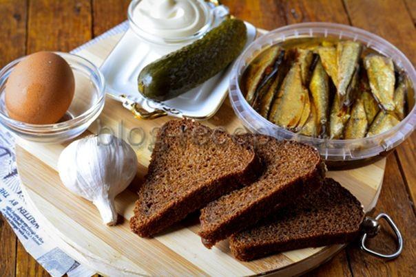 Бутерброды с бананом и соленым огурцом - рецепт пошаговый с фото