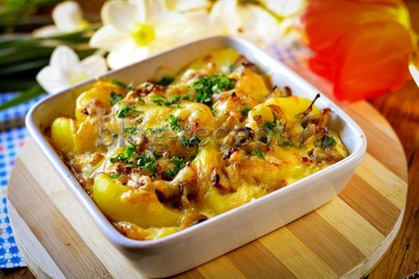 запеченный картофель в духовке с сыром и сметаной