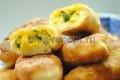 пирожки жареные с яйцом и зеленым луком