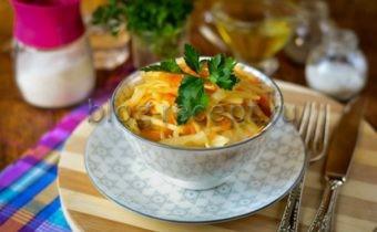 витаминный салат из капусты и моркови