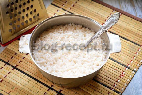 Биточки из риса в панировочных сухарях - рецепт пошаговый с фото