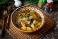 суп со щавелем на мясном бульоне