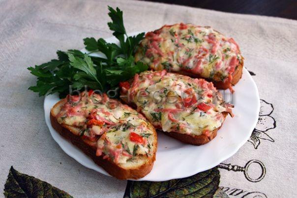 горячие бутерброды в духовке рецепты с фото с колбасой и сыром