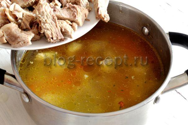 возвращаем мясо в суп