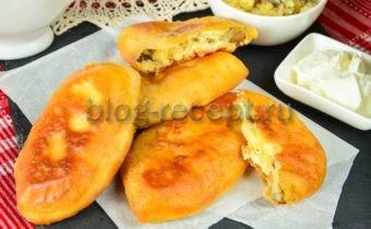пирожки с картошкой и грибами жареные на сковороде