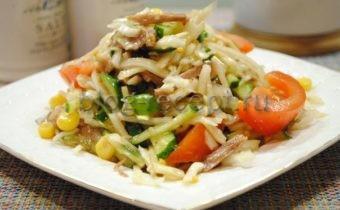 Салат из отварной говядины с белокочанной капустой