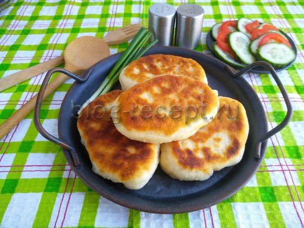 пирожки с капустой и яйцом жареные на сковороде