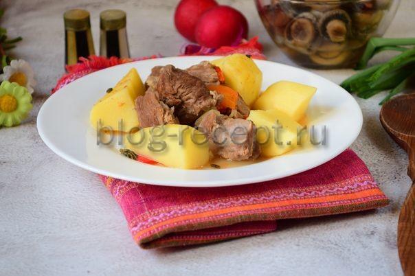 тушеная говядина с картошкой