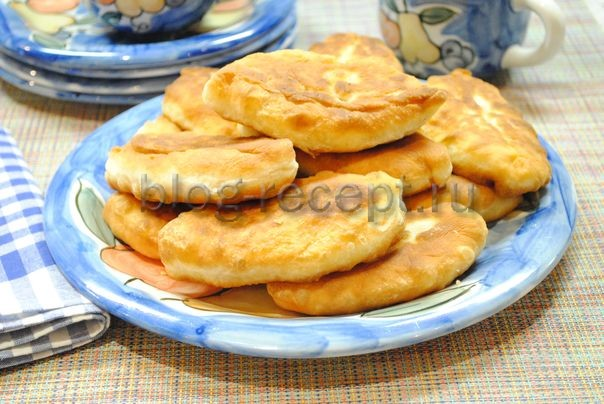 дрожжевые пирожки с картошкой жареные на сковороде
