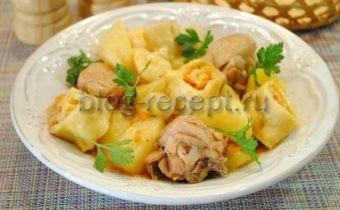 Картошка тушеная с курицей и «розочками»