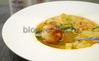 Итальянский томатный суп с фрикадельками
