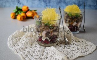 салат с грибами жареными и фасолью