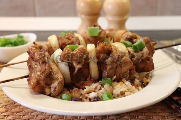 шашлык из курицы на шпажках в духовке