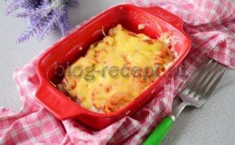 минтай в духовке с помидорами и сыром